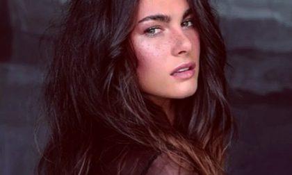 La modella fidanzata di Valentino Rossi sul palco di Sanremo