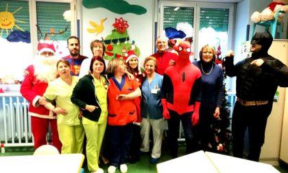 Babbo Natale e supereroi per le pediatrie dell'Asst Rhodense