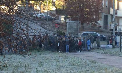 Scuola gelata studenti in protesta al Don Milani