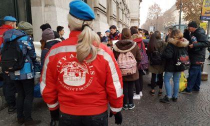 Studenti del Curie a Milano con i City Angels, doni ai clochard VIDEO
