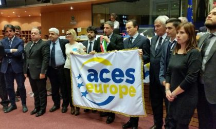 Delegazione comunale a Bruxelles per ritirare la bandiera