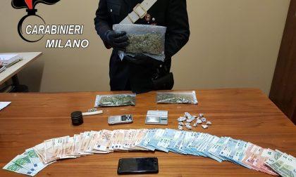 Spacciava droga, giovane arrestato. Nei guai anche una ragazza