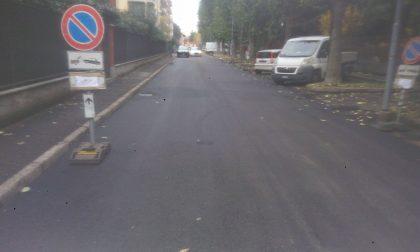 Il Comune asfalta due strade colabrodo