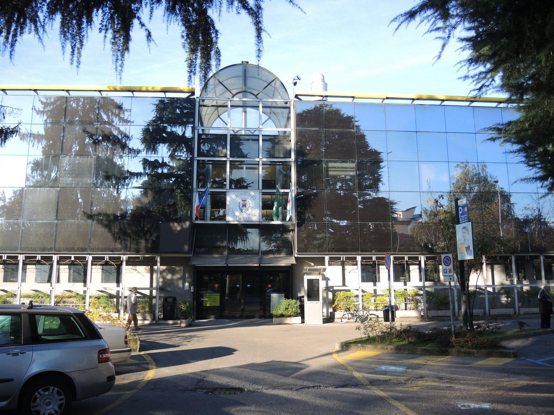 Club house il comune di saronno affida l 39 immobile for Piscina bollate