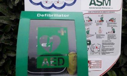 Nuovo defibrillatore in città grazie ad Asm