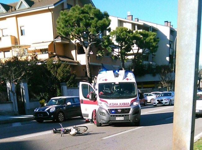 Legnano, ciclista investita in via per San Giorgio