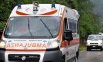 Si ferisce in un'area commerciale: ambulanza in giallo