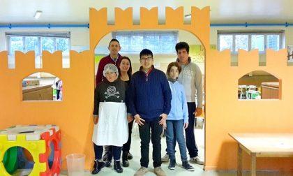 La tavola dell'asilo Giacobbe apparecchiata dai ragazzi speciali della Quercia