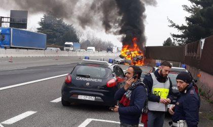 Incidente sull'A8, i coinvolti sono stati salvati dai Carabinieri di Saronno FOTO
