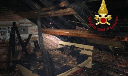 Incendio Mozzate in fiamme due piani di un edificio FOTO
