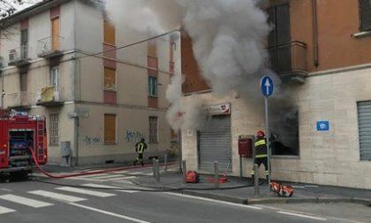 Paura in via 4 Novembre cooperativa in fiamme