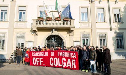Colgar chiude: presidio di protesta in Comune