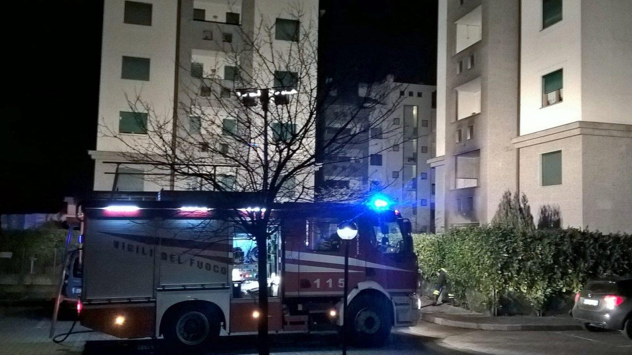 Parabiago, esplosione in appartamento