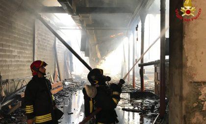 Incendio in un deposito a Solbiate Olona