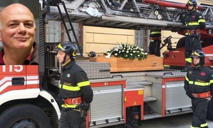 Addio a Cosimo Raimondi, la città saluta il comandante dei vigili del fuoco VIDEO