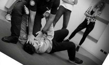 Difesa femminile, il corso e le tecniche contro gli aggressori