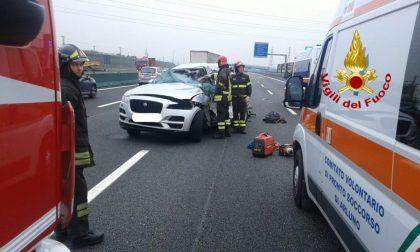 Incidente mortale sulla A4, morta una donna, il figlio 17enne è in codice giallo  FOTO
