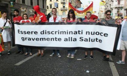 """Arcigay Pavia sul Vescovo """"Omobullismo in mezzo a dei minorenni"""""""