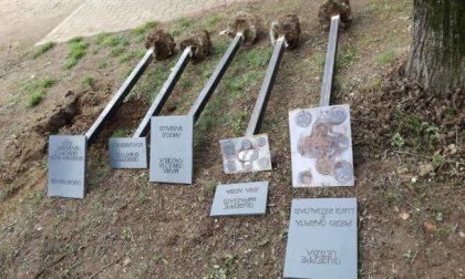 Divelte le targhe in memoria delle vittime di mafia