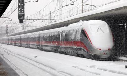 Il maltempo ferma il 50% dei treni in 5 Regioni