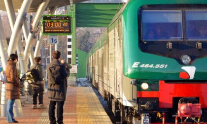 Troppi disagi per i pendolari: arriva esposto contro Trenord