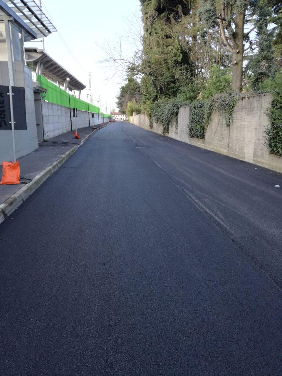 Castano Primo, via Ariosto finiti lavori asfaltatura