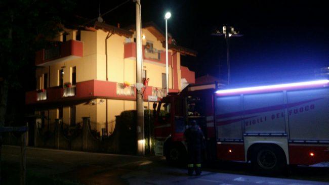 Villetta a fuoco: paura a Bollate &#8211&#x3B; IL VIDEO