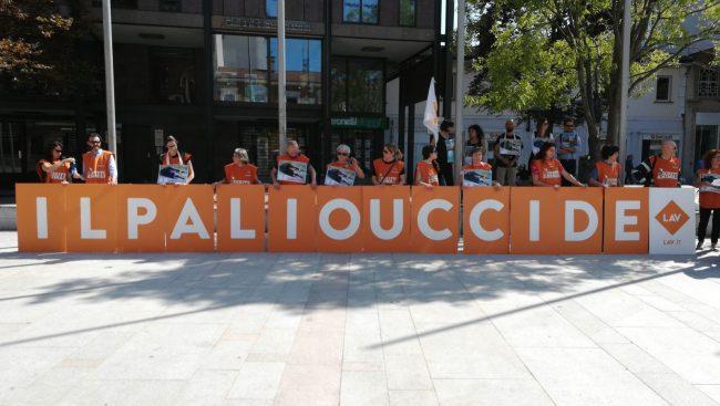 Palio Legnano, il presidio della Lav in piazza &#8211&#x3B; LE FOTO E IL VIDEO