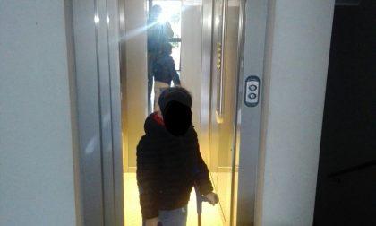 Ascensore rotto, bimbo di sei anni  bloccato in casa - Parlano anche i condomini