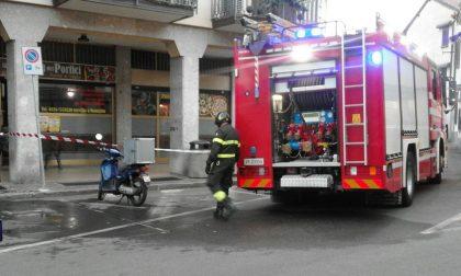Incendio in pizzeria, due ragazzi portati in ospedale