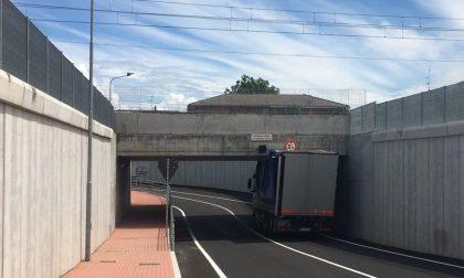 Sottopasso ferroviario, primo incidente a 24 ore dal taglio del nastro