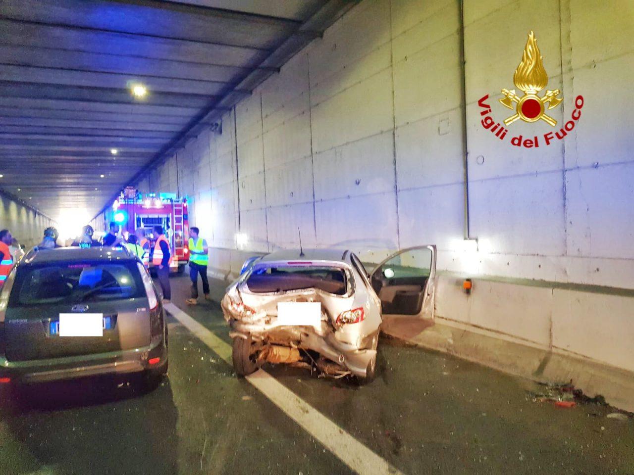 Incidente stradale nel sottopasso