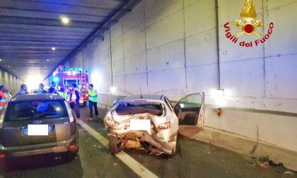 Incidente stradale nel sottopasso: coinvolti diversi mezzi