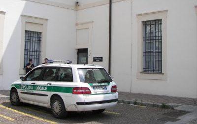 Arrestato mentre spacciava hashish a due quindicenni