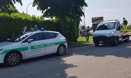 Scontro auto-moto sulla Provinciale 30 a Vermezzo