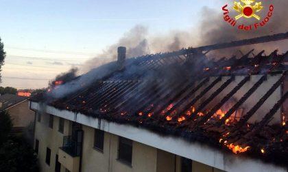 Incendio ad Arese   Casa in fiamme in via Cantù FOTO e VIDEO