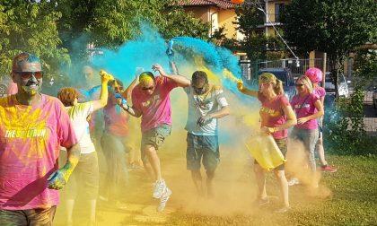 Smile Run, la Festa dello Sport inizia sotto una cascata di colori LE FOTO