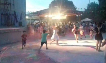 Bambini in festa per la fine della scuola VIDEO