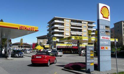 """Caro benzina, nelle aree di confine costi maggiori, Astuti (Pd): """"Carta Sconto vanificata"""""""