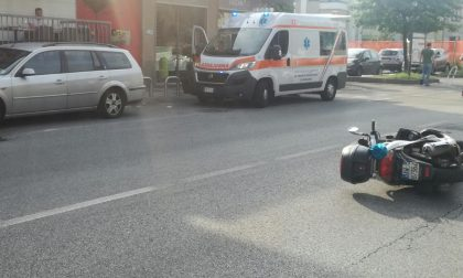 Scooter finisce a terra: paura a Pogliano Milanese
