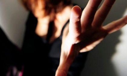 Imprenditore costringe una 18enne a drogarsi e ne abusa sessualmente