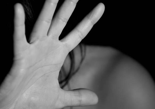 ''Violenze e stalking all'ex compagna''. Divieto di avvicinamento per un 45enne