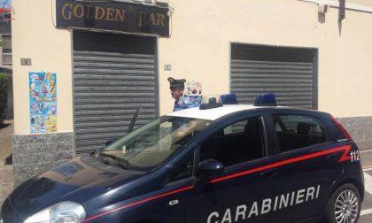 Spaccio di droga tra un taglio e un caffè: tre arresti a Locate Varesino