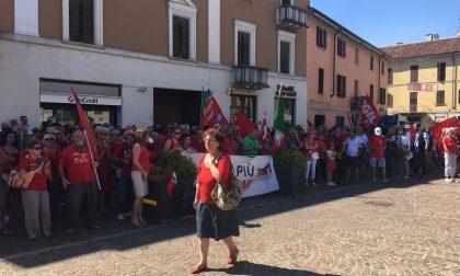 Manifestazione ad Abbiategrasso antifascista contro la Festa del sole