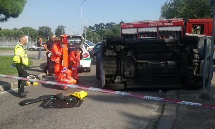 Spettacolare incidente in via Magenta a Rho FOTO