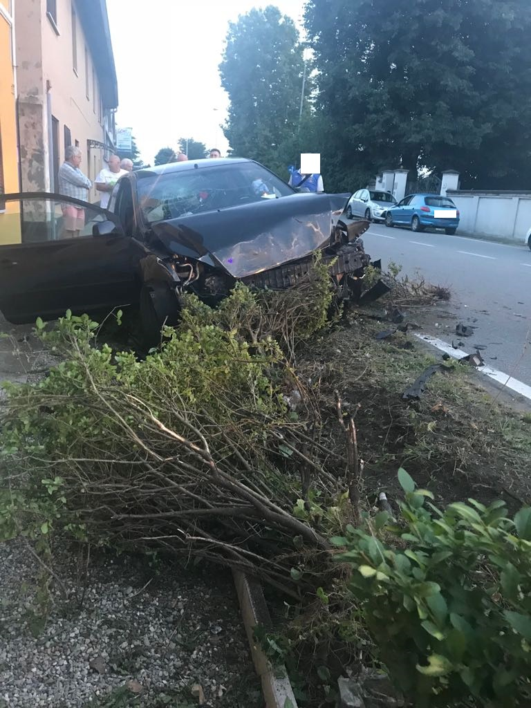 Castano Primo, grave incidente in via Gallarate