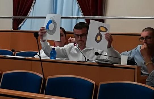 &#8220&#x3B;Comando io e guai a chi disturba&#8221&#x3B;: il Consiglio comunale secondo il Pd