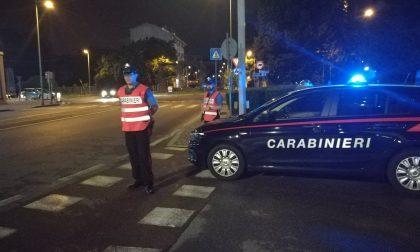 Maxi controllo dei carabinieri: bloccati con armi e droga