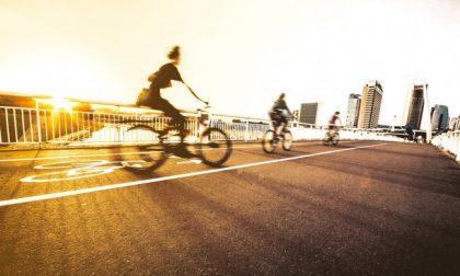 Le piste ciclabili aumentano ovunque anche a Milano