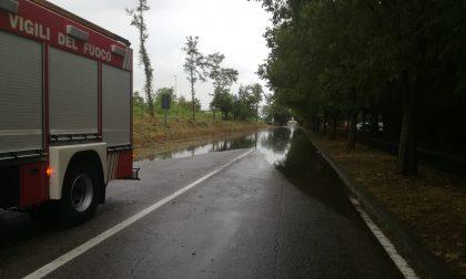 Circonvallazione allagata, strada chiusa